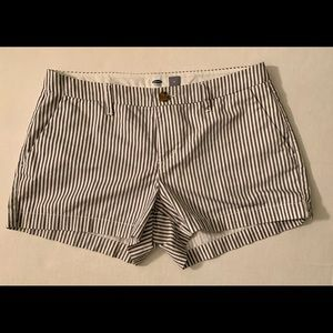 Old Navy ladies shorts size 4